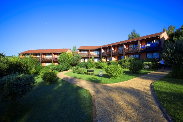 D co petit jardin intimiste 23 calais calais petit - Petit jardin hotel san juan saint paul ...